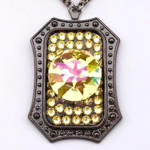 LIMELIGHT RHINESTONE LEMON ROUND NECKLACE SAMPLE
